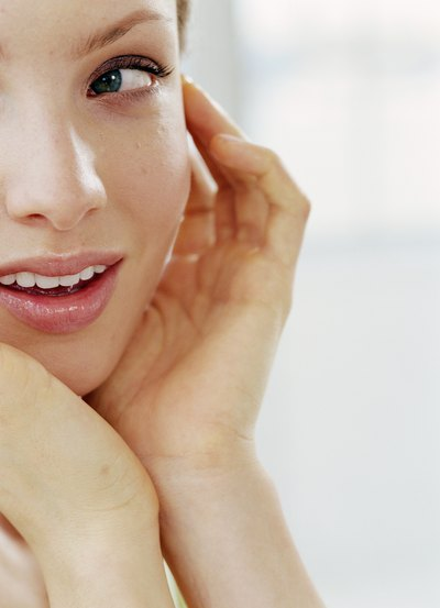 How to Wash Your Face With Jojoba Oil
