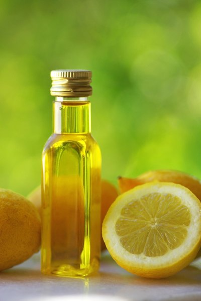 What Are the Benefits of Drinking Water With Lemon or Lime Juice & Olive Oil?