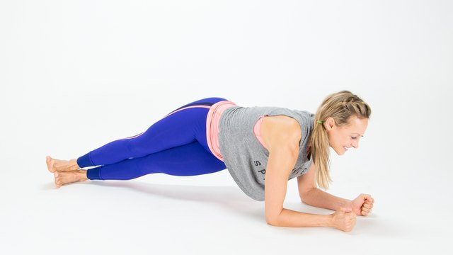 Twisted Hip Dip Plank