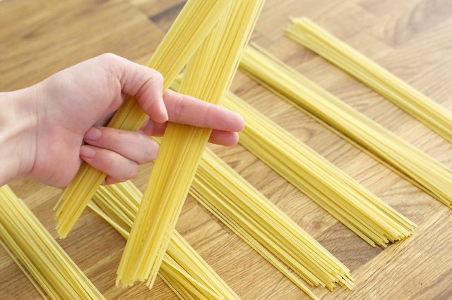 How To Measure Out A Serving Size Of Pasta Before Cooking