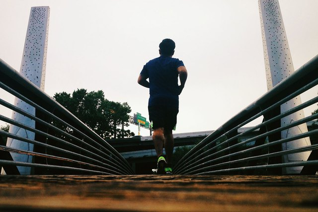 Pounding the pavement powers up the brain.