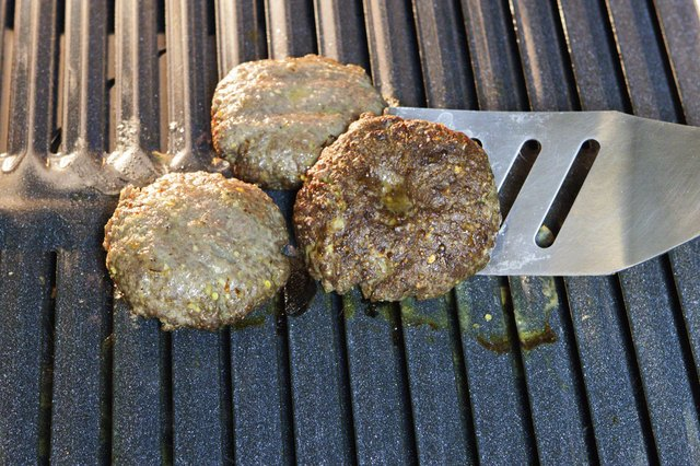 How to Cook a Hamburger in the Broiler | LIVESTRONG.COM