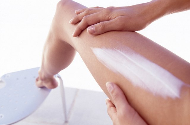 Apply anti-itch or antibiotic ointment to the area after removing the ingrown hair.