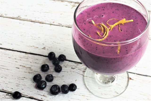 This smoothie packs plenty of protein.