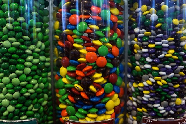 Mars is eliminating artificial colors from its candies.