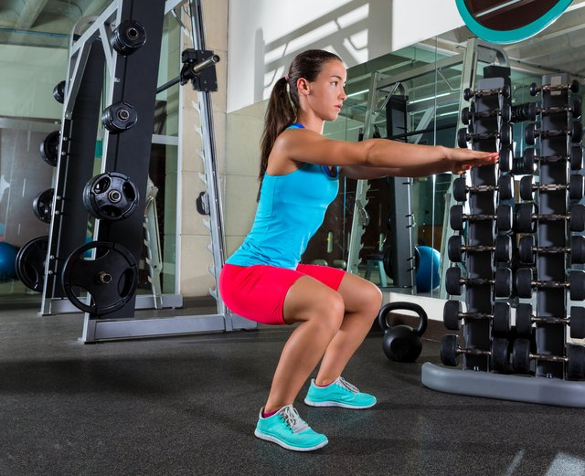 Women should turn the toes out slightly during the squat.