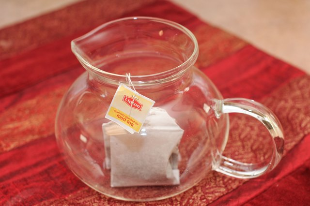 Place Two Or Three Regular Lipton Tea Bags In A Heat Resistant Pitcher That Holds At Least Half Gallon 2 Quarts If You D Like To Use S Cold