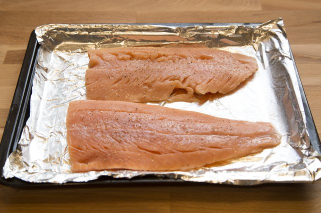 How to broil salmon in the toaster oven livestrong step 4 ccuart Choice Image