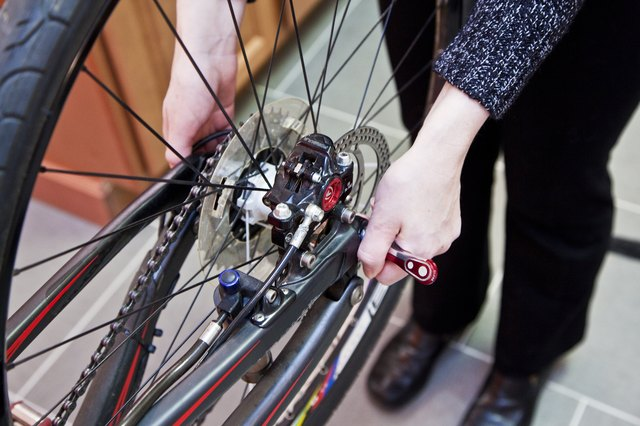 How To Adjust The Chain Tension On A Mountain Bike