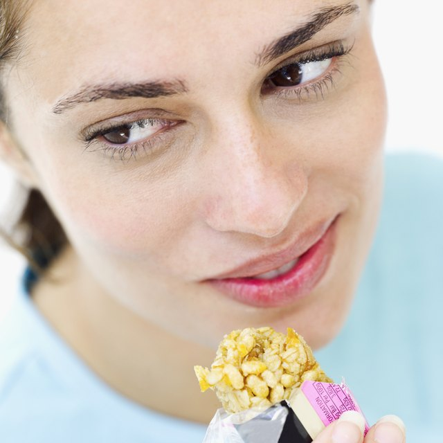 Eat a high-carbohydrate, high-protein snack both before and after working out.