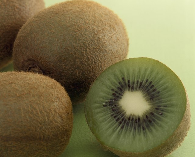 a medium kiwi has 20 milligrams of calcium