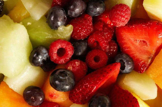 Aim for around 15 carbohydrates for 1 serving of fruit.