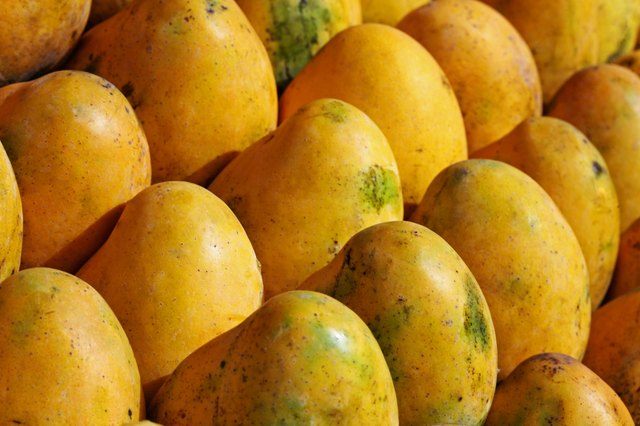 Mangoes are high in vitamins C and A however, they have a high fructose content.