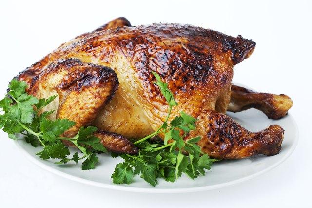Arrosto di pollo con carne di ghiottone alta.
