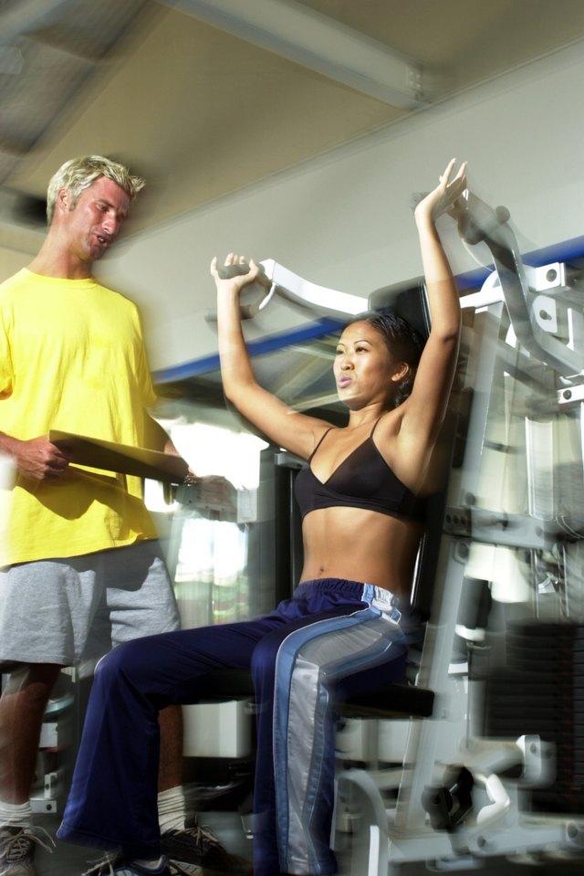 Programați exerciții de rezistență cel puțin două zile din săptămână.