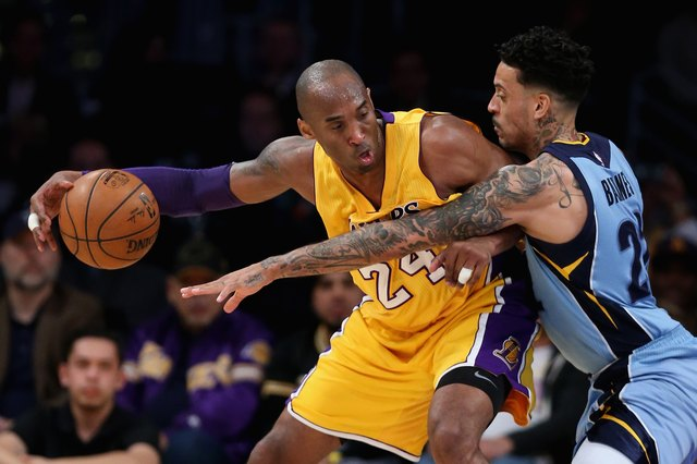 Kobe Bryant of the Los Angeles Lakers. The diet the Lakers team members are allowed to eat is loaded with raw foods as well as fermented and sprouted foods, nitrate-free products and pasture-raised animal fats such as butter, cream, cheese and cottage cheese.