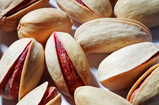 One quarter cup of pistachios contains 6.2 grams of protein.