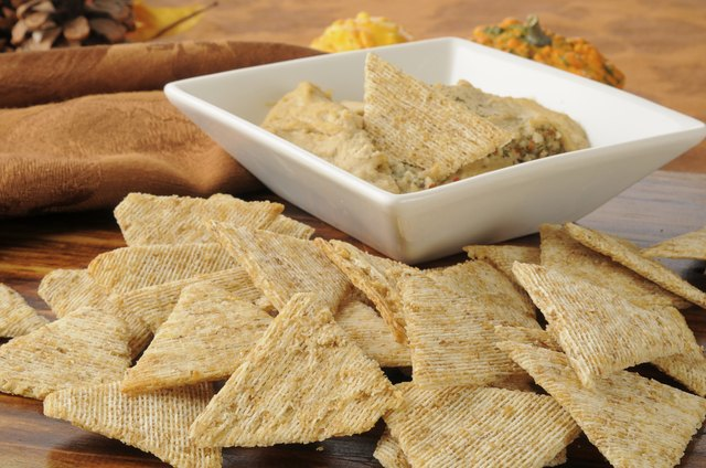 hummus whole wheat crackers