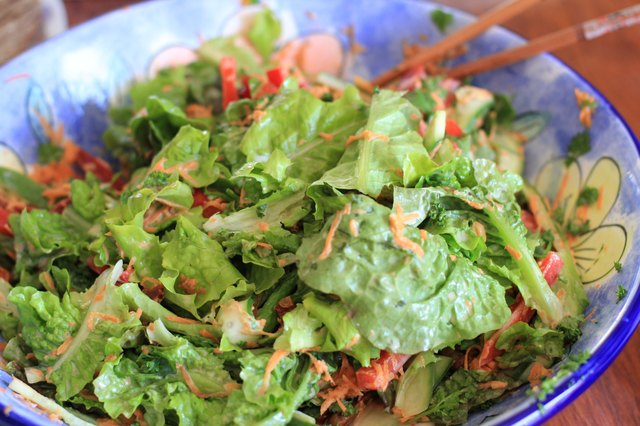 Leafy greens are rich in folic acid.