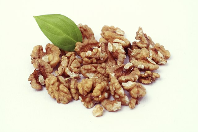 Walnuts can be eaten in Phase 4.