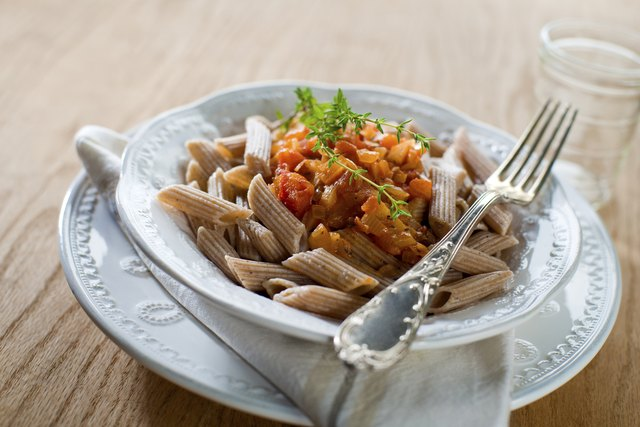 Whole grain pasta with diced tomatoes