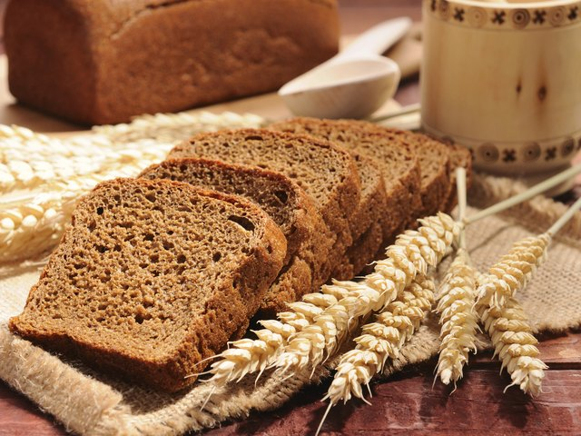 Whole grains are a healthy source of carbohydrates.