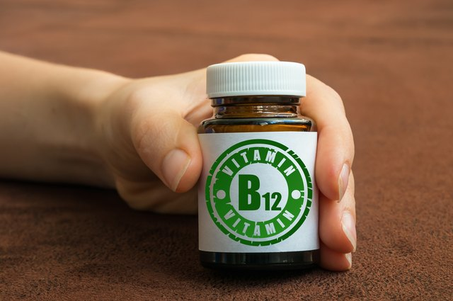 Avocado oil with vitamin B12 may be a useful long-term topical treatment for psoriasis.