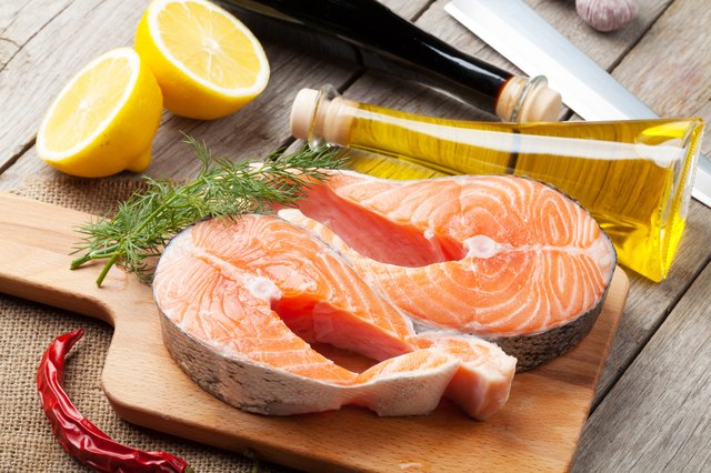 Lemon and dill add zest to salmon fillets.