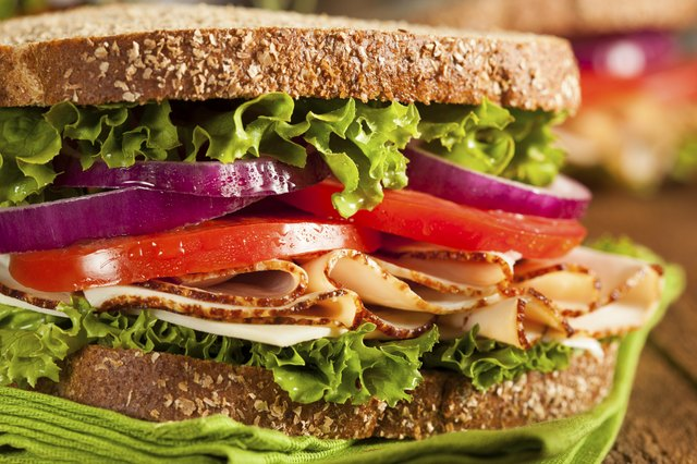 Whole grain turkey sandich