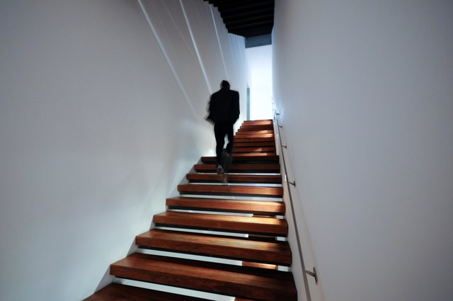 How Many Calories Can You Burn Climbing Stairs
