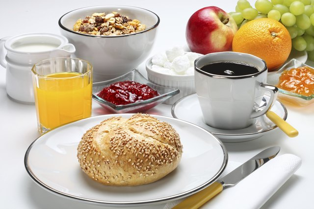 A sample breakfast plan may include orange juice, oatmeal, banana, toast and a glass of milk.
