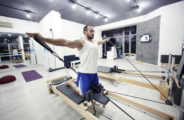 Achieve improved body awareness by exercising on the reformer.