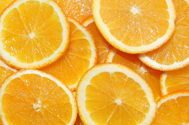 Oranges are rich in vitamins.