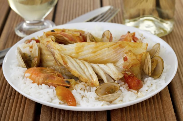 Fish with shellfish and rice