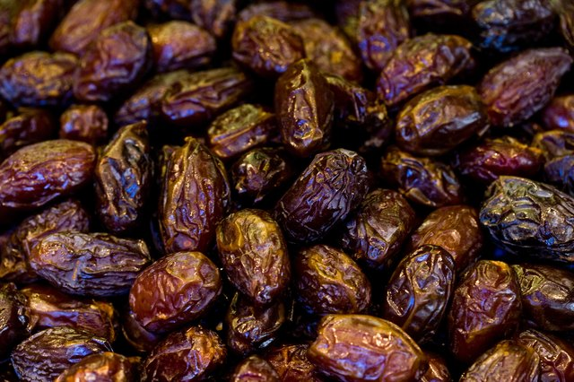Close up of raisins.