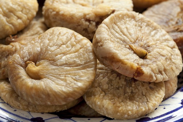 plate of dried figs