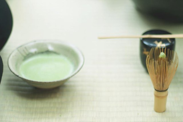 Matcha tea provides a host of health benefits.