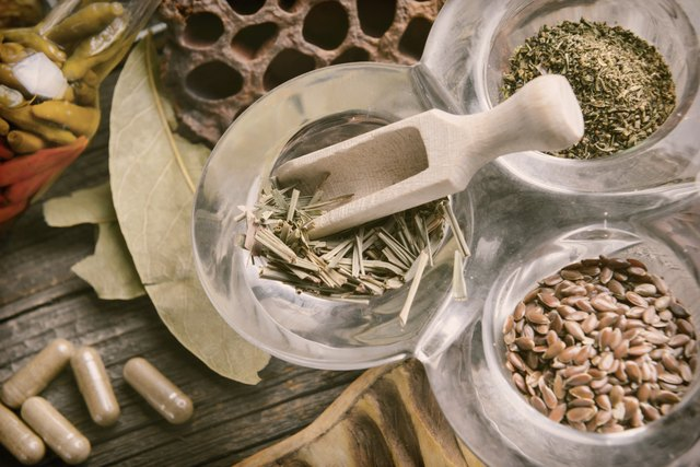 Dried herbs and capsules