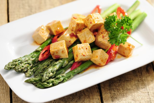 Marinated tofu and cooked asparagus
