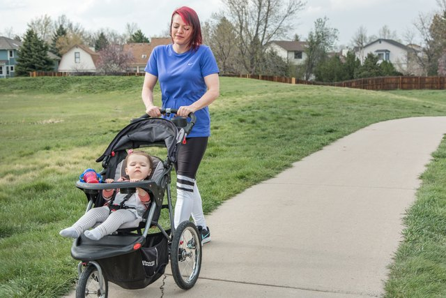 Alanna began exercising by simply walking with her daughter. Eventually she progressed to strength training and home workouts.