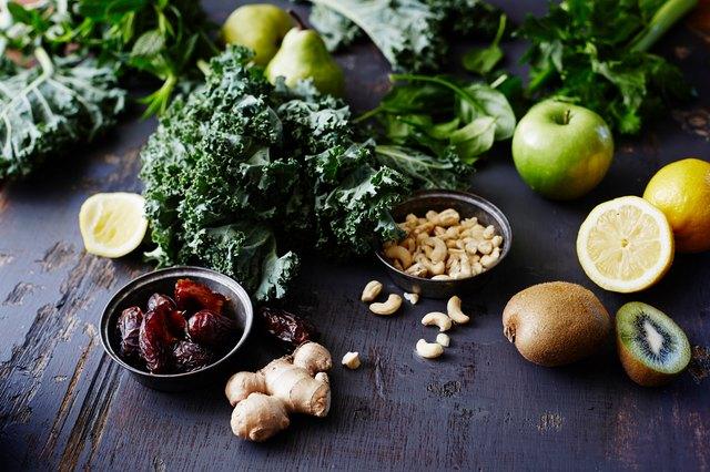 Dark leafy greens, a brain food, can help keep memory sharp.