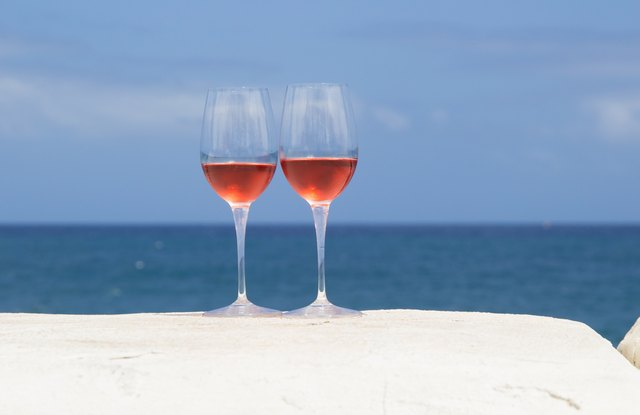 Rose contains more resveratrol than white wine.