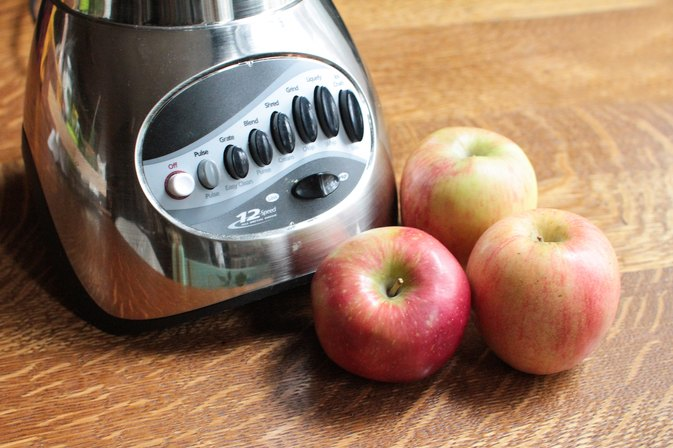 How to Blend Apples in a Blender