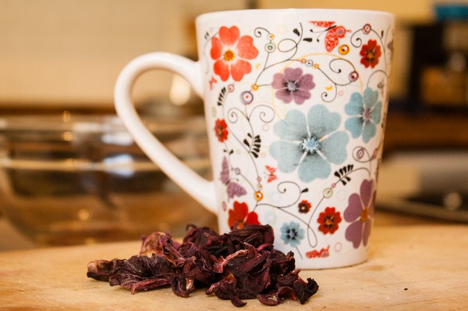 How to Make Tea From Hibiscus Flowers