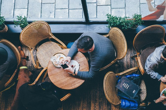 Eating Alone Is Bad for Your Waistline — and Worse! — Particularly for Guys
