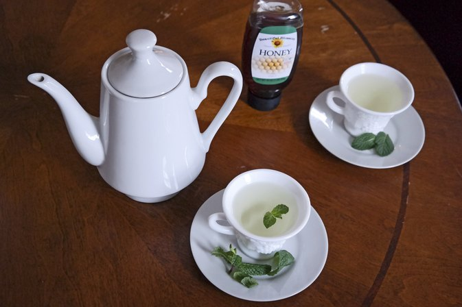 How to Make Mint Tea From the Plant