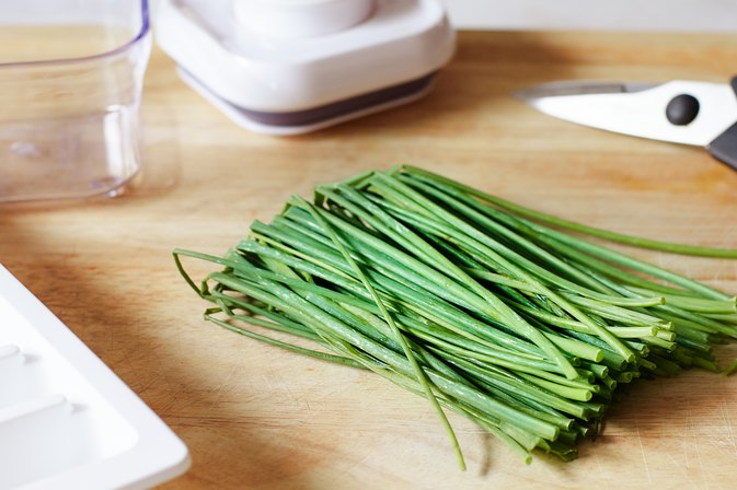 How to Freeze Chives