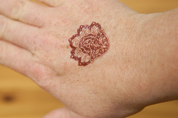 How to remove henna tattoo ink livestrong com for Best tattoo inks