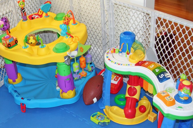 Toys For A 9 Month Old : The best toys for month olds livestrong