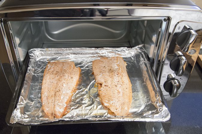 Cooking salmon fillets in convection oven for How long to cook fish in the oven
